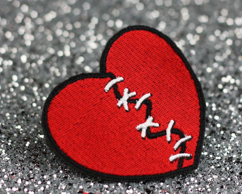 Broken heart pics picshunger broken heart pics voltagebd Choice Image