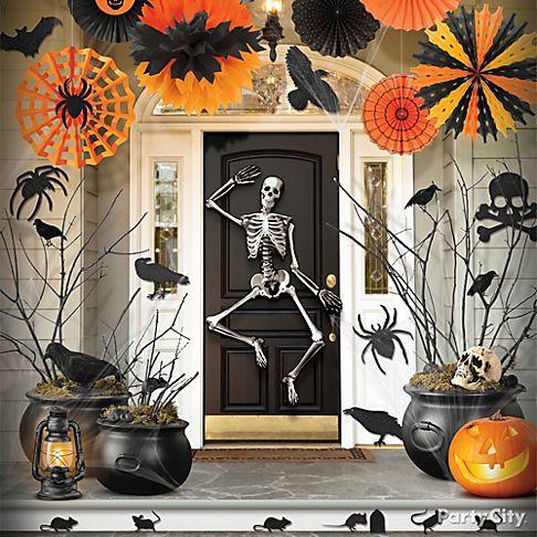 20 classic halloween decorations ideas picshunger - Deco hal halloween ...