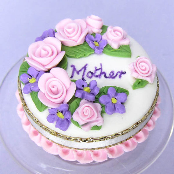 Cake Design For Mothers : 20+ Happy Mothers Day Cake Images PicsHunger