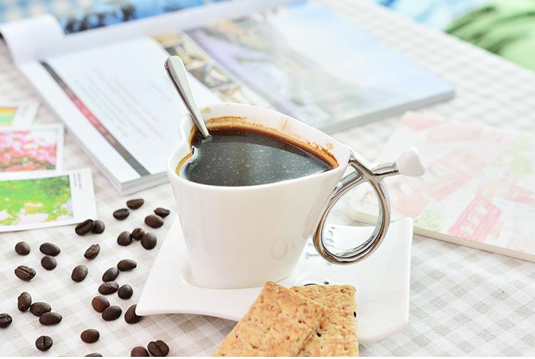 Coffee-mug-Coffee-cup-Tea-cup-European-mugs-cups-Romantic-love-modeling-couple-cups-Fashion-porcelain